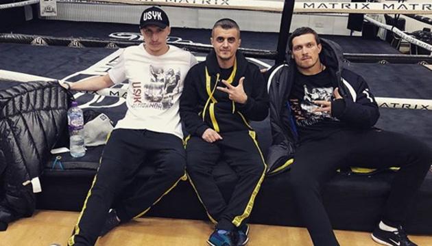Usyk realiza la primera sesión de entrenamientos en Manchester antes de la pelea con Bellew (Vídeo)