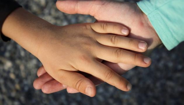 Діти Криму: коли окупанти відібрали батьків