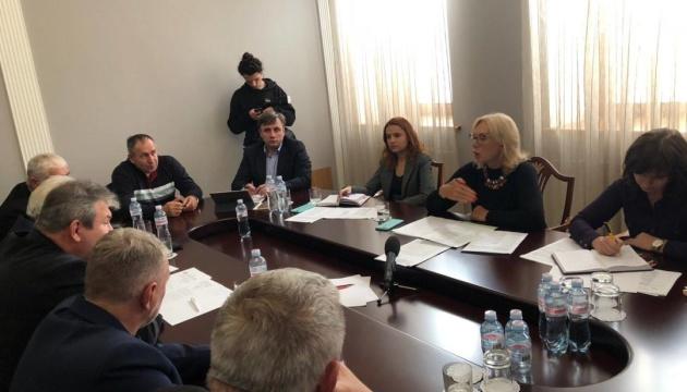 Денисова выступает за увеличение выплат