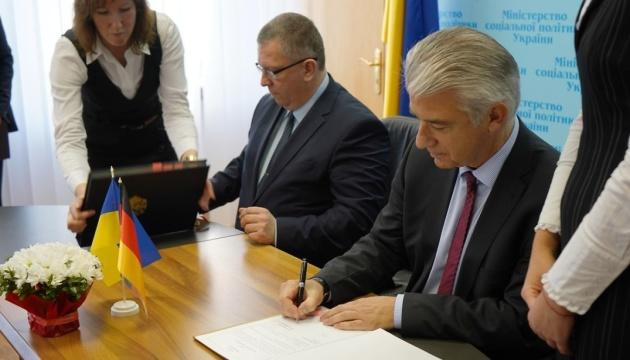 Ukraine und Deutschland unterzeichnen Sozialversicherungsabkommen