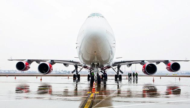 У Канаді літак із лобстерами мало не викотився з аеропорту на дорогу