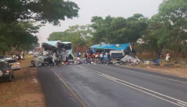 В Зимбабаве столкнулись автобусы, десятки погибших