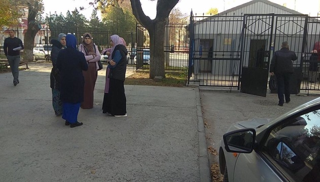 Беременную жену задержанного крымского татарина отпустили с ФСБ - адвокат
