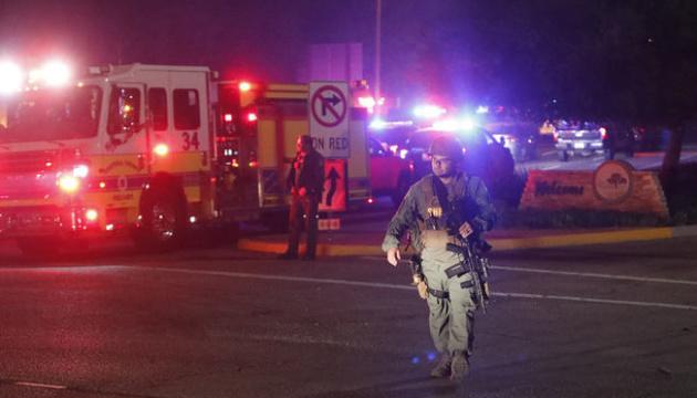 Стрельба в Калифорнии: полиция заявляет о 12 жертвах, среди них - коп