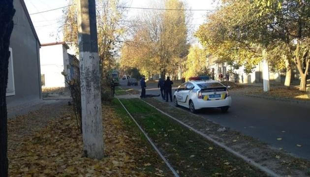 В Одессе полицейские застрелили мужчину, который бросался на них с топором