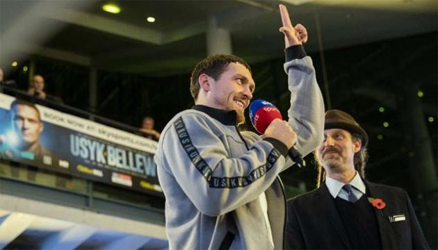 Усик заявил, что не откажется от хевивейта и учится у Владимира Кличко