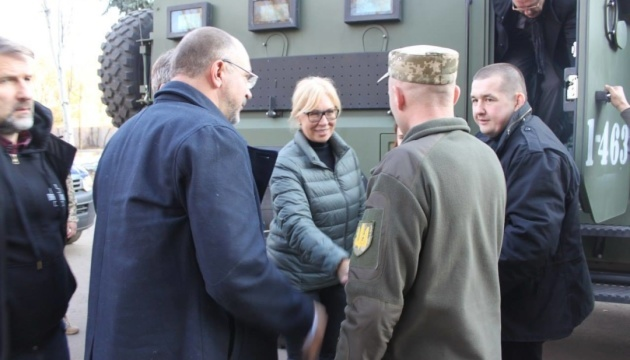 Denisova meets with JFO commander in Donetsk region