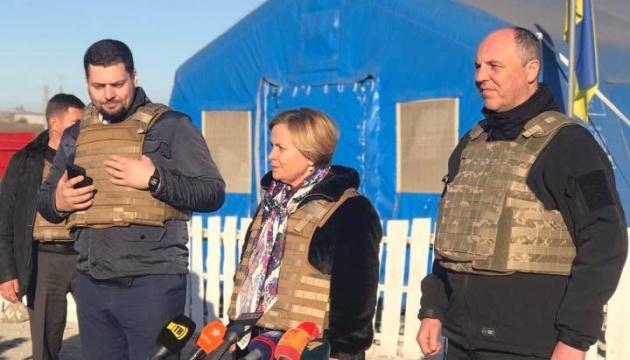 Президент ПА НАТО приехала на Донбасс и призвала не признавать фейковые выборы