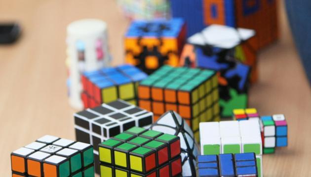 Кубик Рубика на скорость собирали в столице