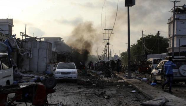 Количество жертв терактов в Сомали возросло до 30