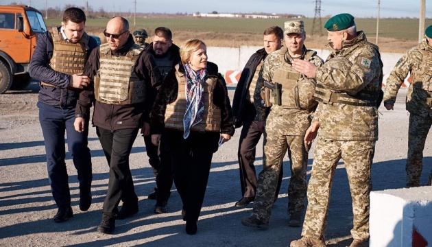 Vorsitzende der Nato PV Juknevičienė: Ukraine verteidigt demokratische Welt - Fotos