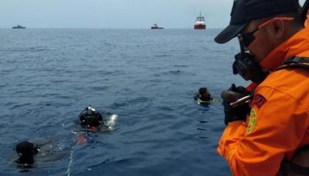 В Индонезии остановили поиски жертв крушения Boeing-737 MAX