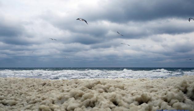 Навколо окупованого Криму хочуть створити морський режимний район