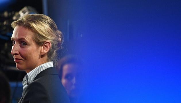 """У ФРН виник скандал через """"пожертви"""" лідеру партії правих популістів"""