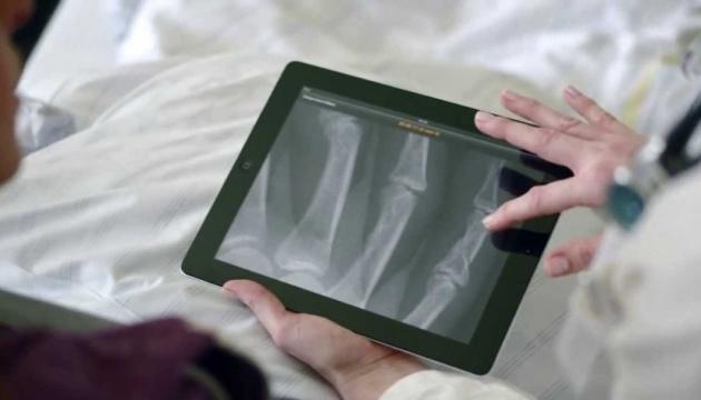日本、「草の根」協力で西部テルノーピリ州の医療機器改善を実施