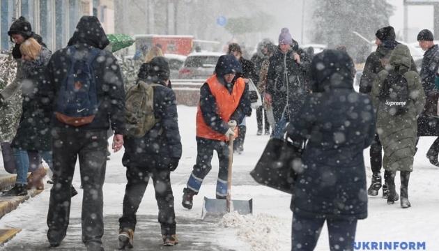 Киев ночью снова засыплет снегом