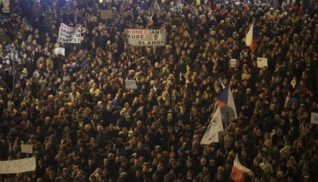 """""""Отправляйся в Крым"""": Чехи требуют отставки премьера"""