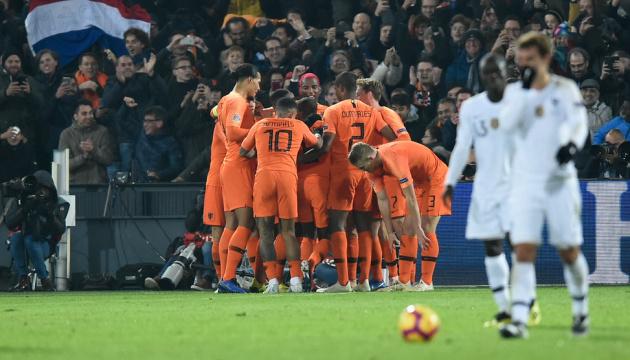 Сборная Германии покидает элиту Лиги наций после победы голландцев над французами