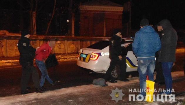 За розбійний напад на перехожого у Києві чоловік може отримати до 7 років