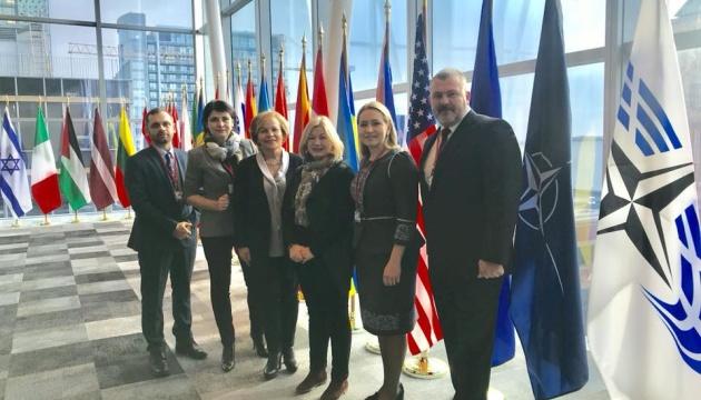 Геращенко пригласила наблюдателей из Канады на выборы в Украину