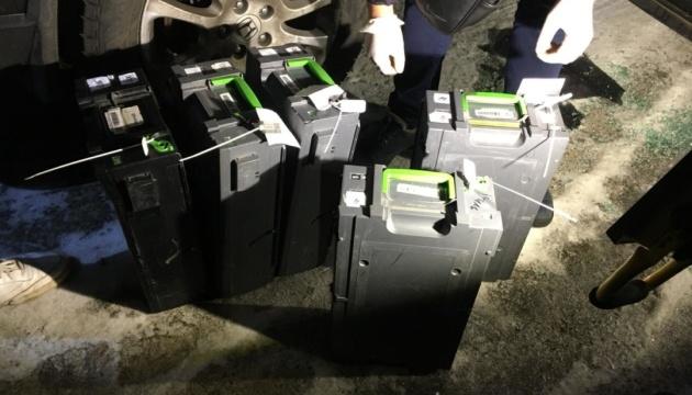 Напад на інкасаторів: грабіжника спіймали із 1,8 мільйона у сумці