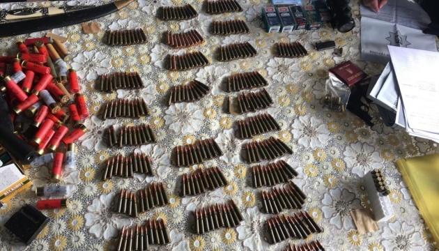 Полицейские изъяли оружие и 700 патронов у жителя Луганщины