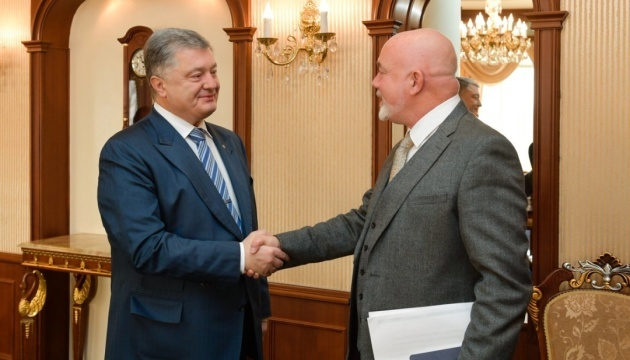 Poroshenko offers Ryanair to create IT hub in Ukraine