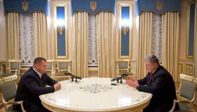 Порошенко обсудил с Филатовым строительство аэропорта в Днипре