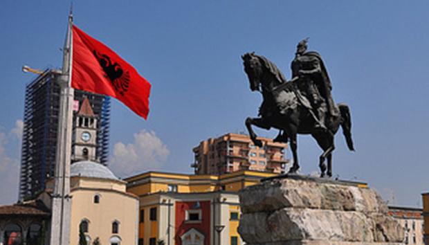 В Албанії штурмували парламент, поранені 15 протестувальників