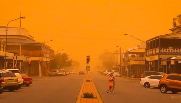 Австралию накрыла пылевая буря - самолеты застряли в аэропортах