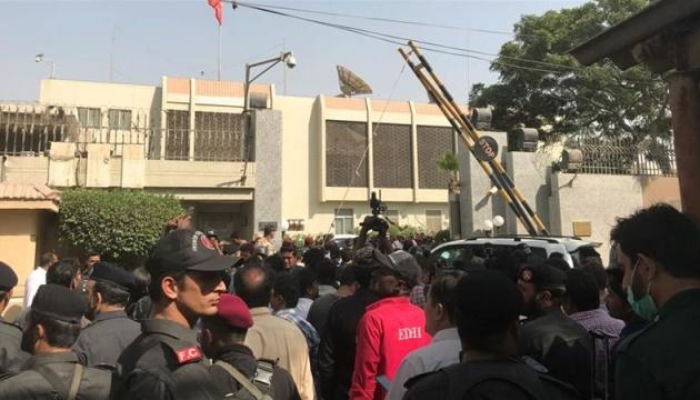 В Пакистане напали на консульство Китая, погибли двое полицейских
