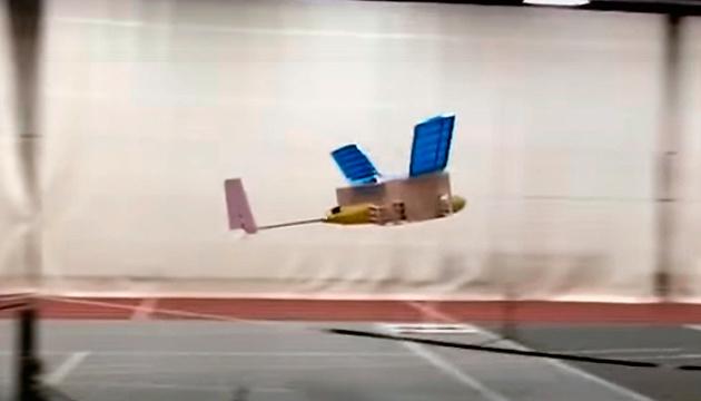 В США показали первый в мире самолет с ионным двигателем