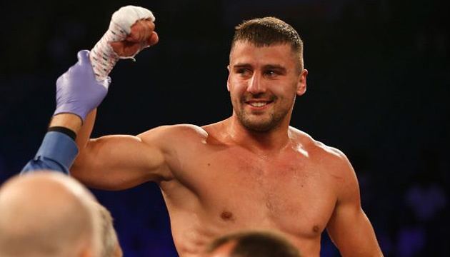Букмекеры назвали фаворита боксерского поединка Стивенсон - Гвоздик