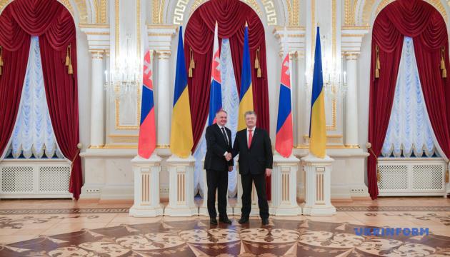 Президент Словаччини запевняє, що Україну чекають і в ЄС, і в НАТО