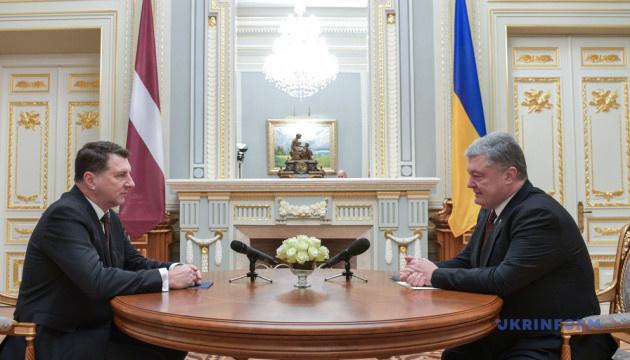 Товарооборот между Украиной и Латвией вырос на 43 % - Порошенко