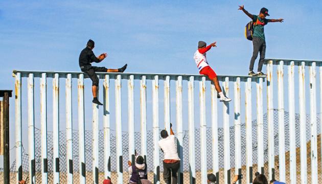 США змінюють підхід до біженців з Мексики — The Washington Post