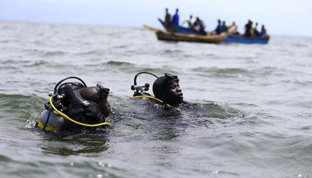 Катастрофа судна на озере Виктория: из 100 пассажиров спасли 40