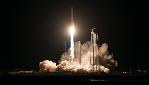 У листопаді двічі успішно запустили ракети, створені за участі України - Порошенко