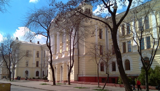 Напад на депутатів із вогнегасником: відкрили справу щодо чиновників Одеського медвишу