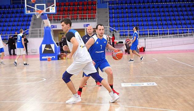 Баскетболісти збірної України провели відкрите тренування в Запоріжжі