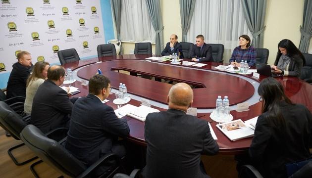 РФ не пускає до Азовського моря 18 торговельних суден
