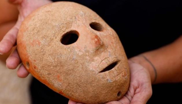 В Ізраїлі показали маску, якій дев'ять тисяч років
