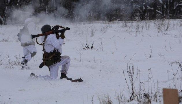 Donbass: Les occupants déploient toujours des armes lourdes, un militaire blessé et un autres porté disparu