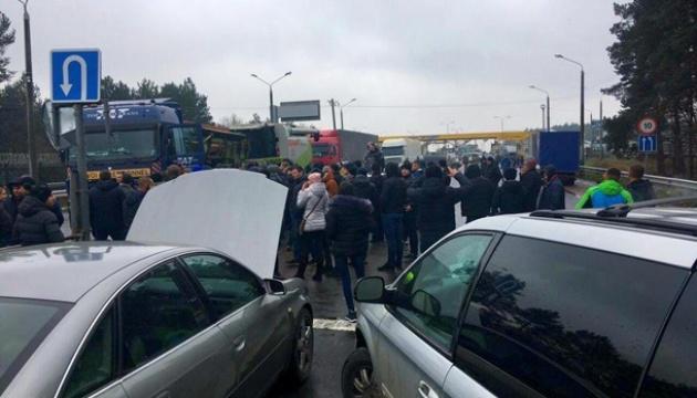 У ДФС підрахували збитки від блокування автовласниками кордонів