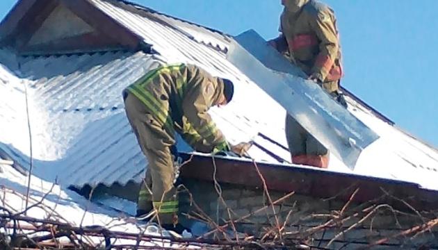 На Донеччині відновили 140 будинків, які обстріляли бойовики