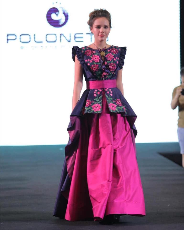 Ukrainian Designer Demonstrates Embroidered Dresses At Fashion Show In Bangkok Photos
