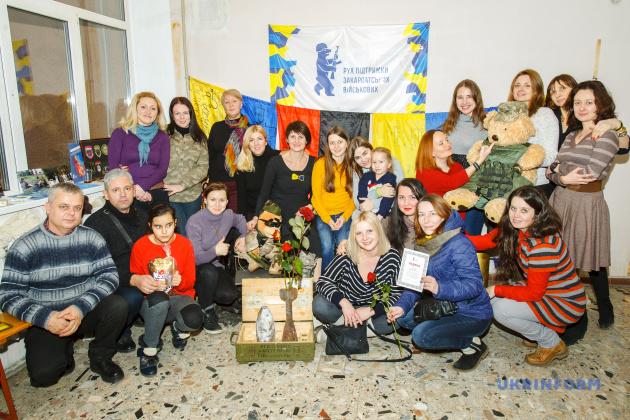 Загальна фотографія волонтерів РПЗВ під час святкування Дня волонтера