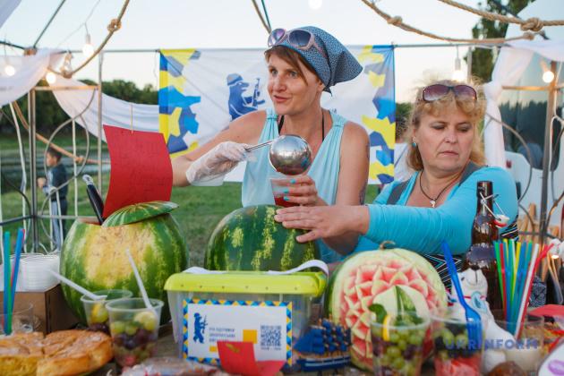 алина Ярцева та Олена Короленко (праворуч) під час фестивалю