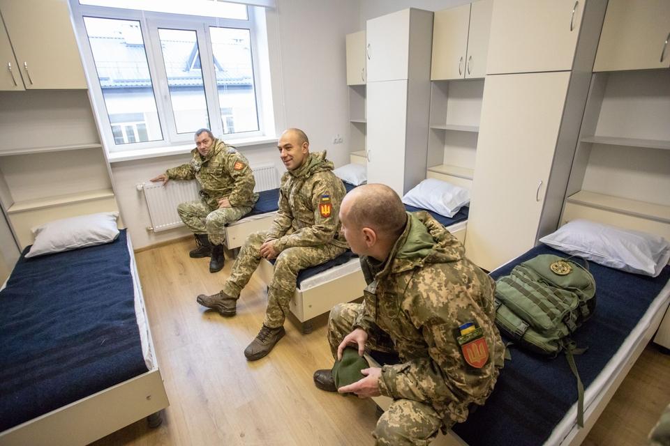 труро можно казарма в армии фото московская никогда отвергала