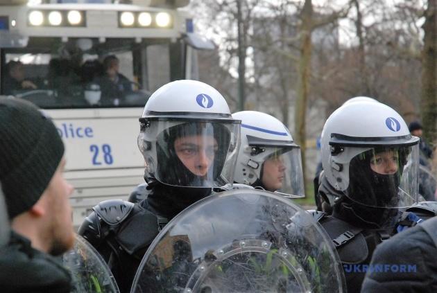 У запропонованих умовах поліцейські поводилися гуманно
